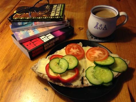 #Lördagsfrukost med verk av Henning Mankell #asaole
