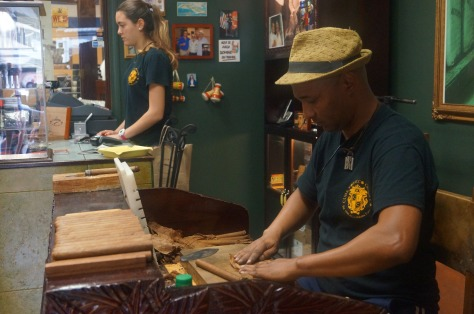 Cigarrtillverkning i Little Havana, Miami